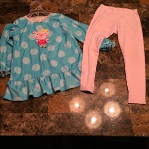 Size 3t piggy 🐷 outfit from Carters!